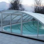 Abri de piscine semi-haut motrisé